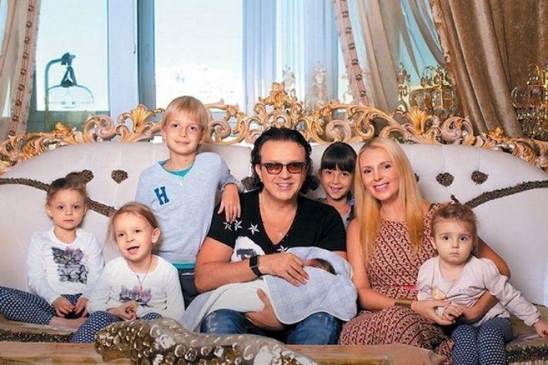 Бывшая жена Романа Жукова уверяет, что он не участвует в жизни детей