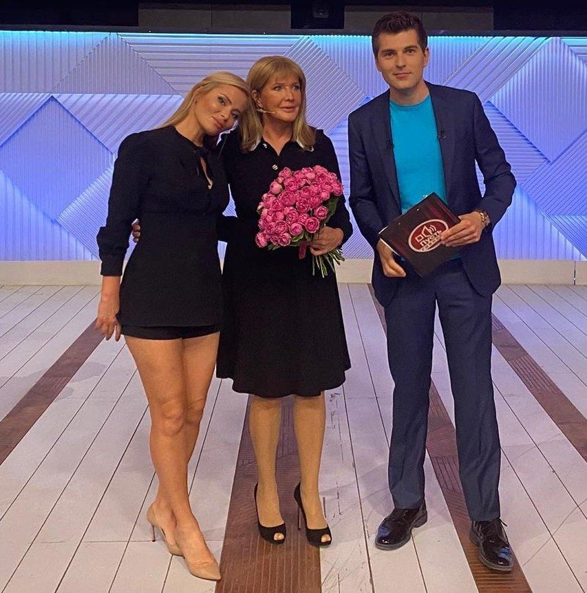 """Дана Борисова ответила критикующим её """"целлюлитные ноги"""""""