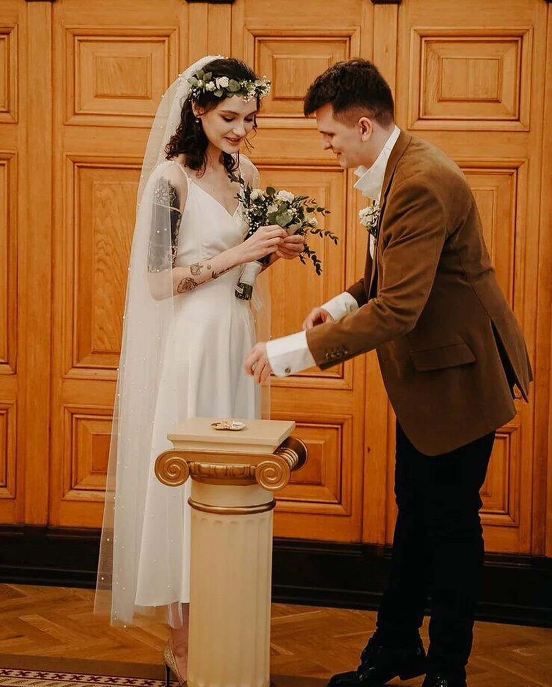 Любовь Толкалина показала свадебные фото дочери
