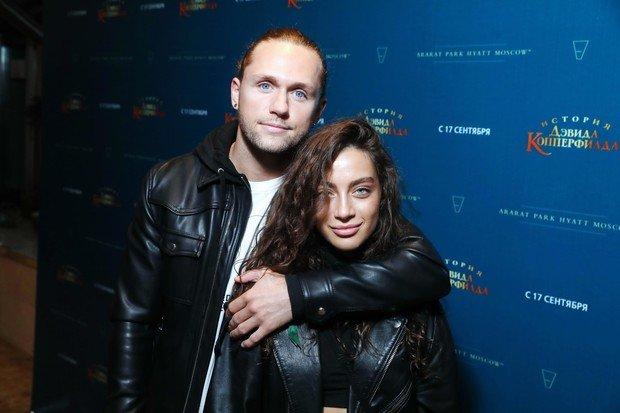 Влад Соколовский отправился в кино c новой девушкой