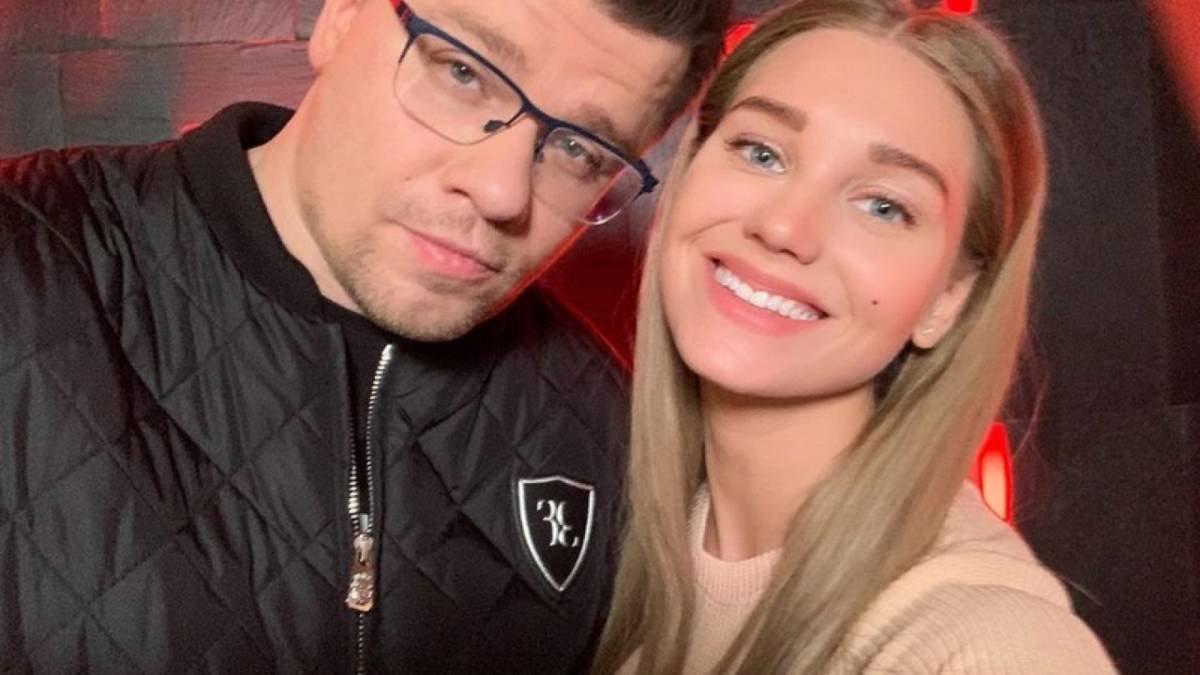 Ляйсан Утяшева сообщила, что Гарик Харламов не страдает из-за развода