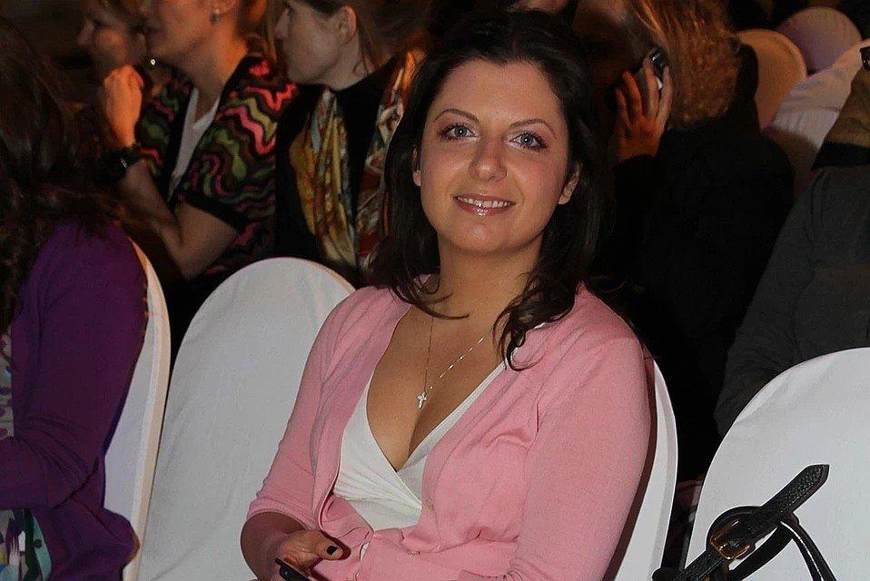 """""""Ночью было тяжело"""": Маргарита Симоньян рассказала, как перенесла вакцинацию от коронавируса"""