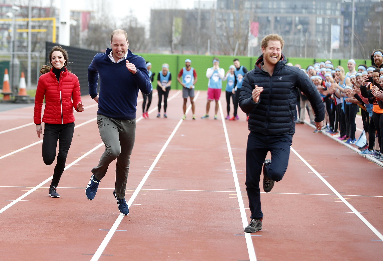 Принц Уильям и Кейт Миддлтон забавным снимком поздравили принца Гарри с днем рождения