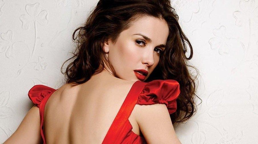 Наталья Орейро снялась в образе сексапильной Красной шапочки