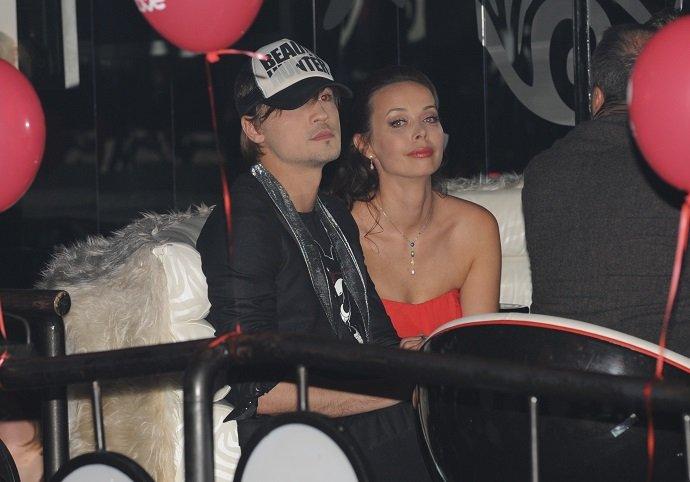 Целующийся Билан, пухленький Басков, нелепая Глюкоза, пышная Дубцова: как выглядели звезды на вечеринке 10 лет назад