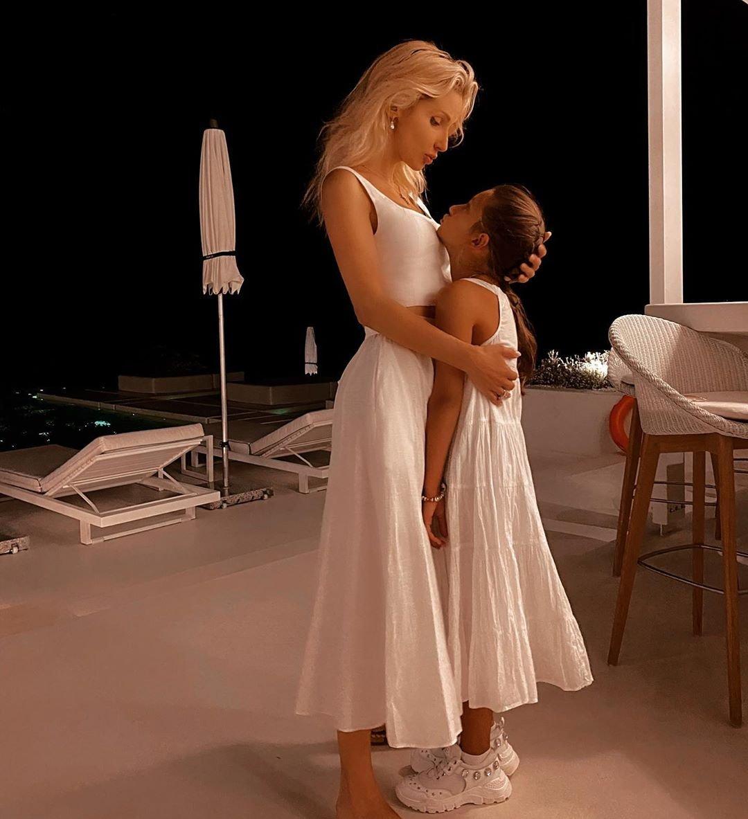 Светлана Лобода обновила блог трогательной фотографией с дочкой