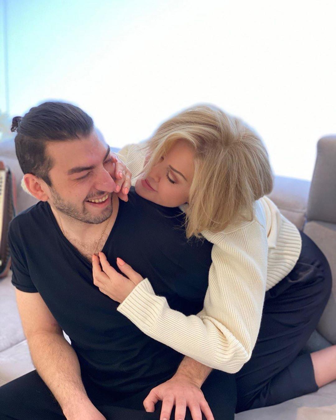 Любовь Успенскую бросил молодой любовник