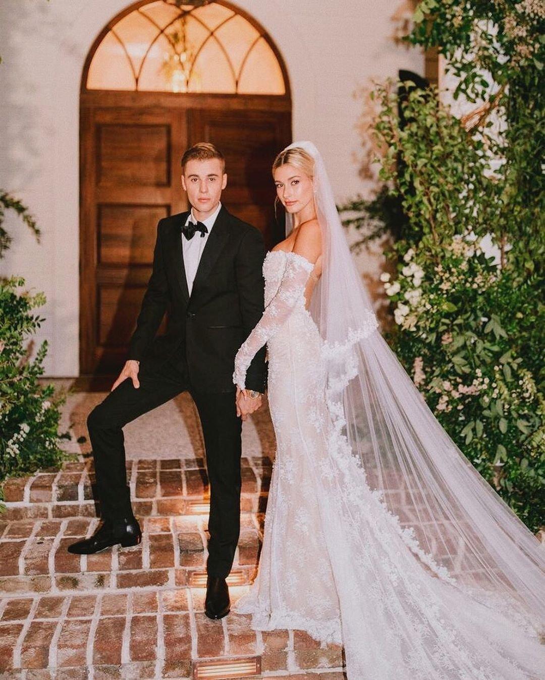Джастин Бибер трогательно поздравил жену с первой годовщиной свадьбы