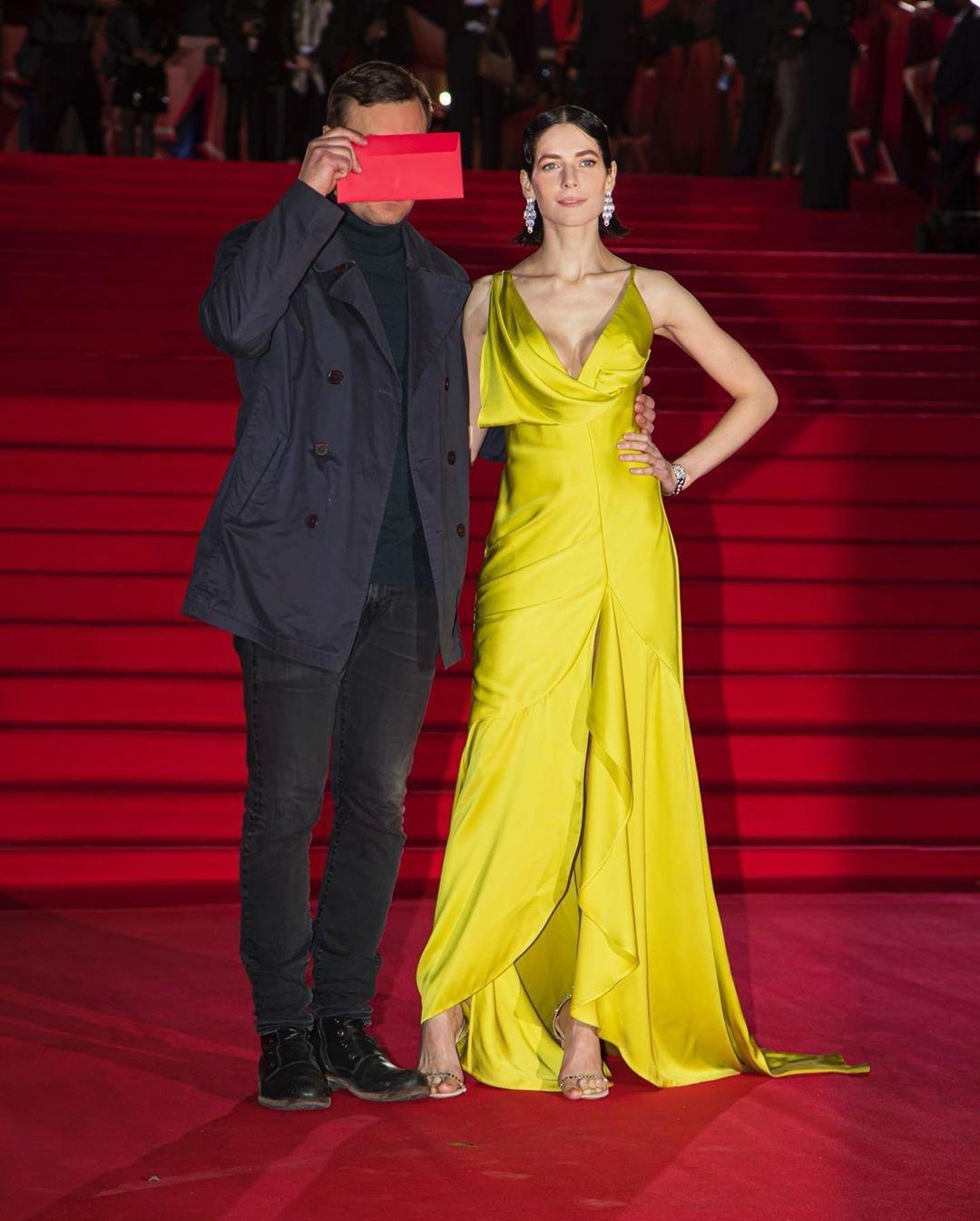 Юлия Снигирь предстала в шикарном жёлтом платье на красной дорожке