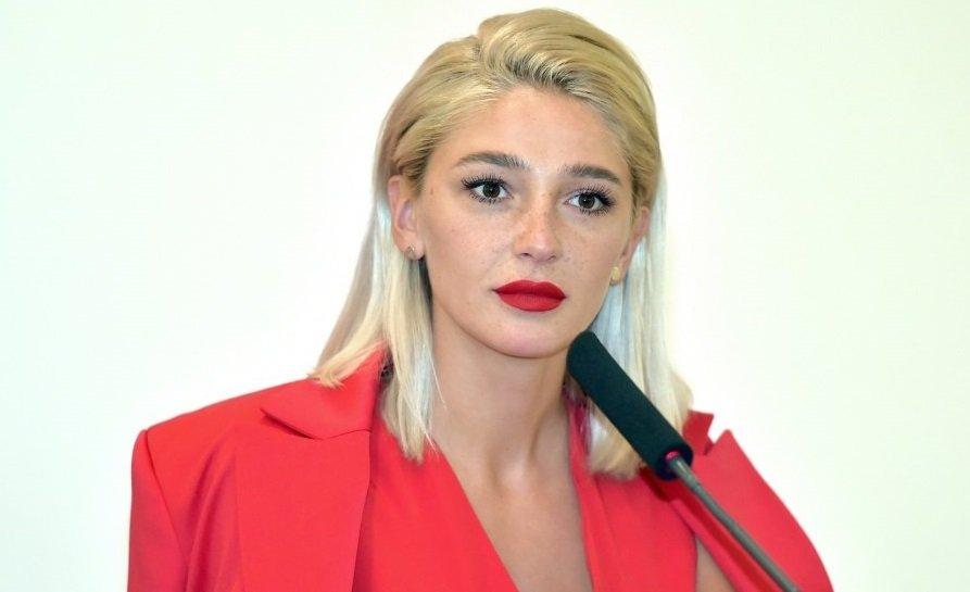 Настю Ивлееву потеснила её соведущая