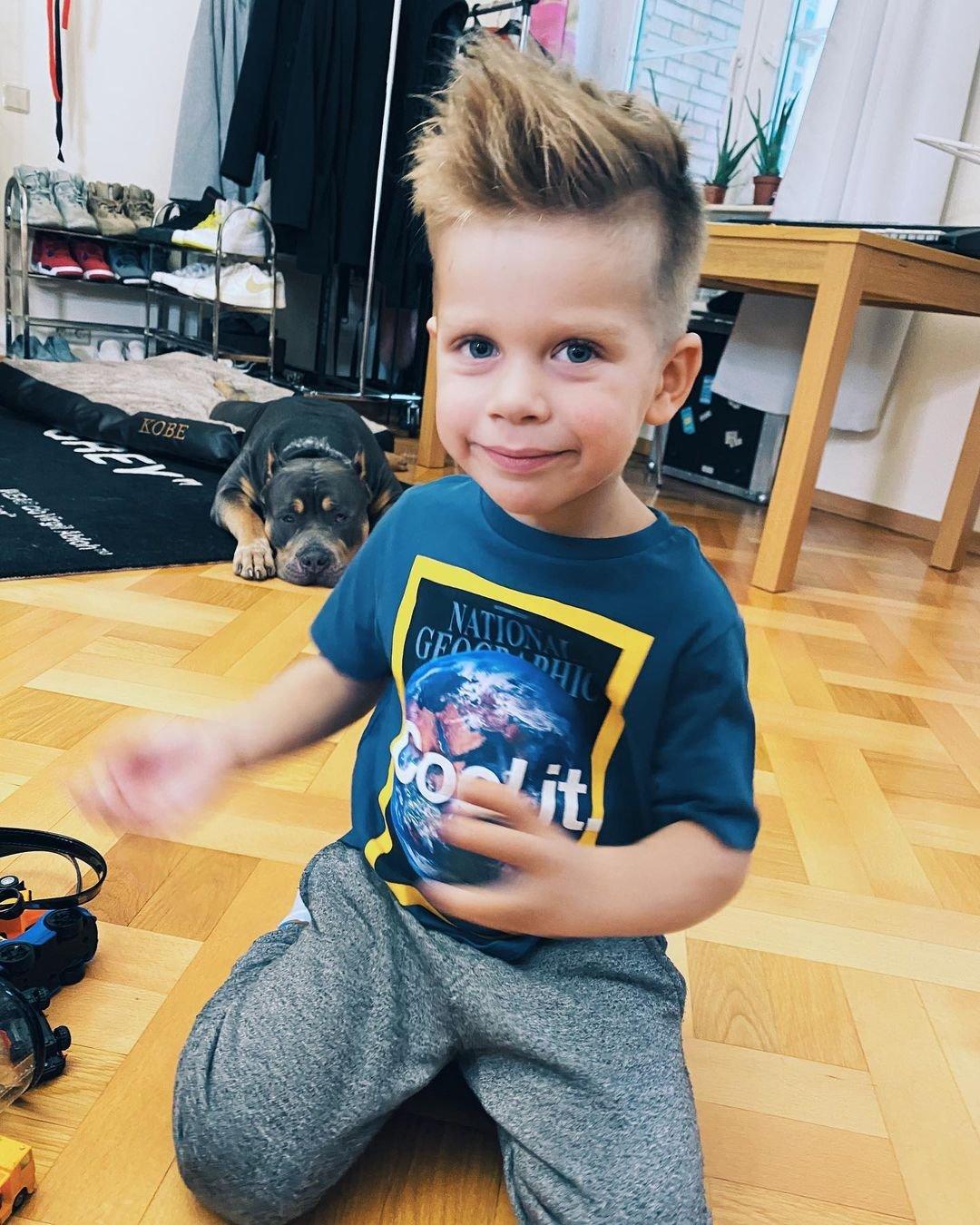 Анна Седокова показала модную прическу сына