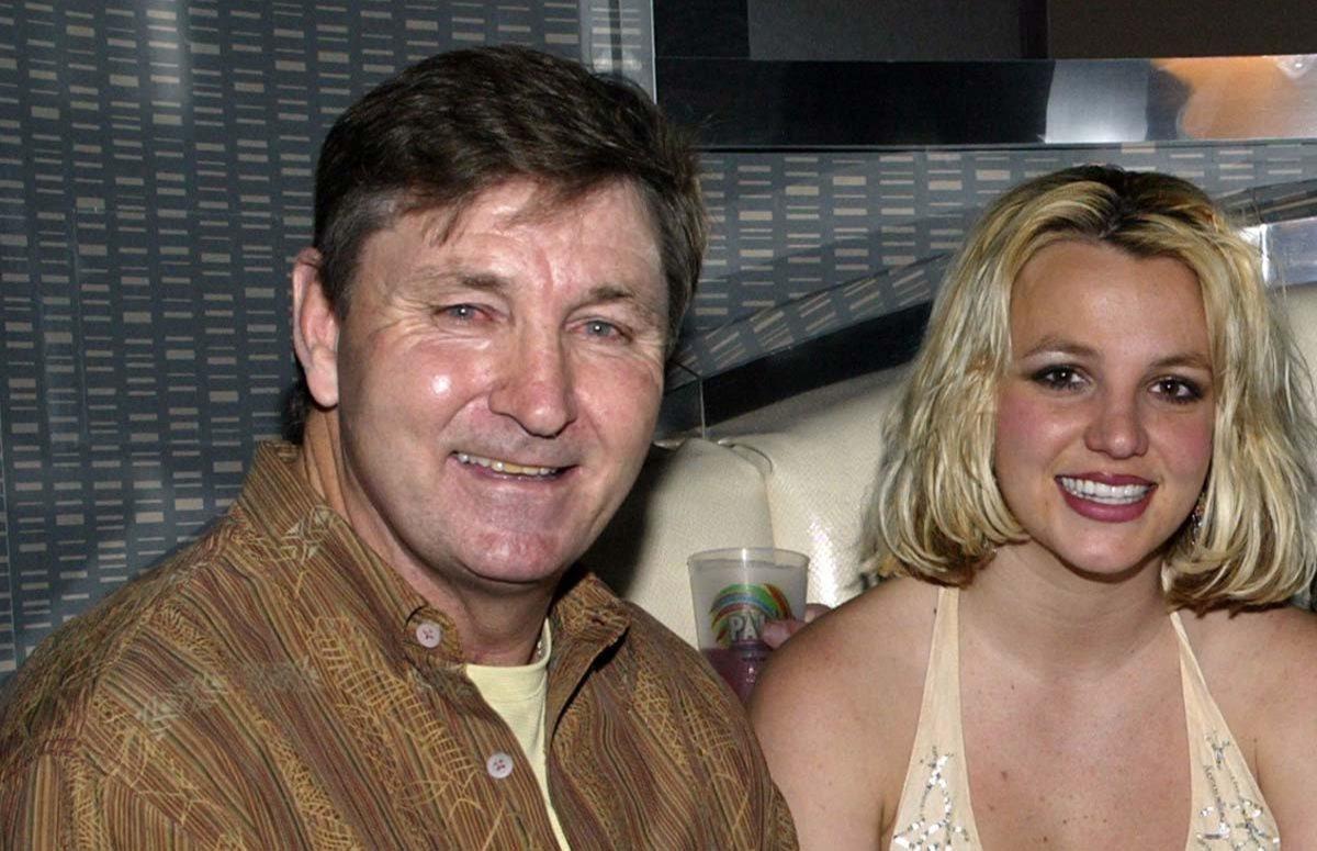 Бритни Спирс хочет запретить отцу распоряжаться её имуществом