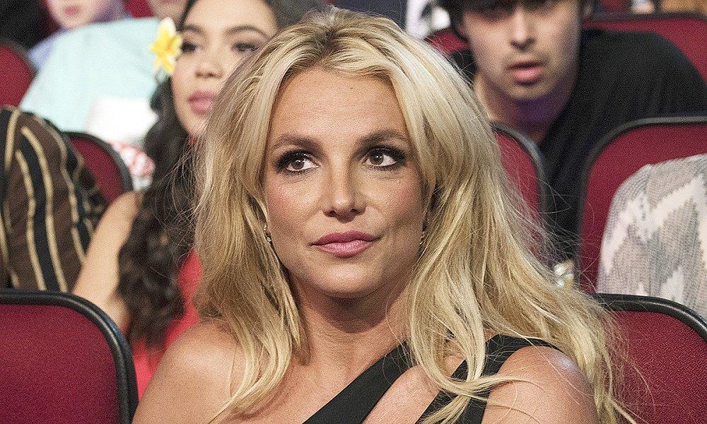 Бритни Спирс призналась, что боится своего отца