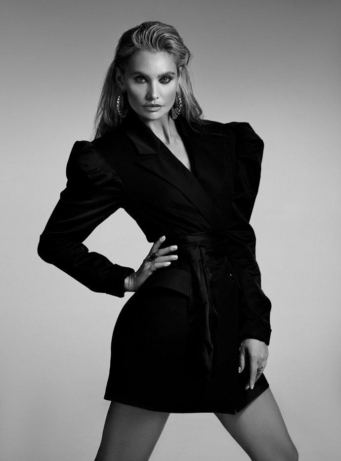 «Моя карьера – длинная лестница»: Виктория Любухина рассказала о карьере модели и актрисы