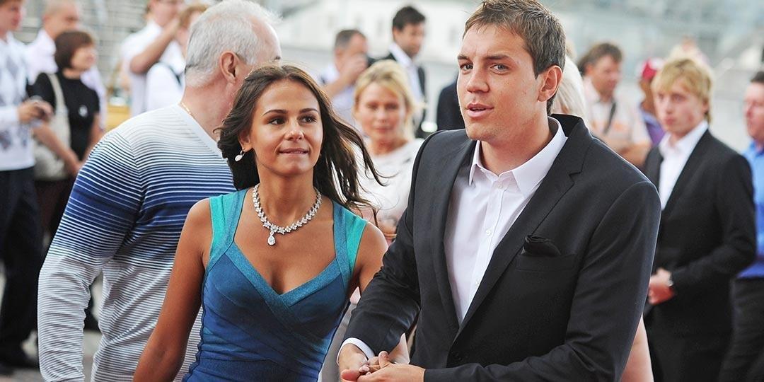 Жена Артема Дзюбы хочет с ним развестись