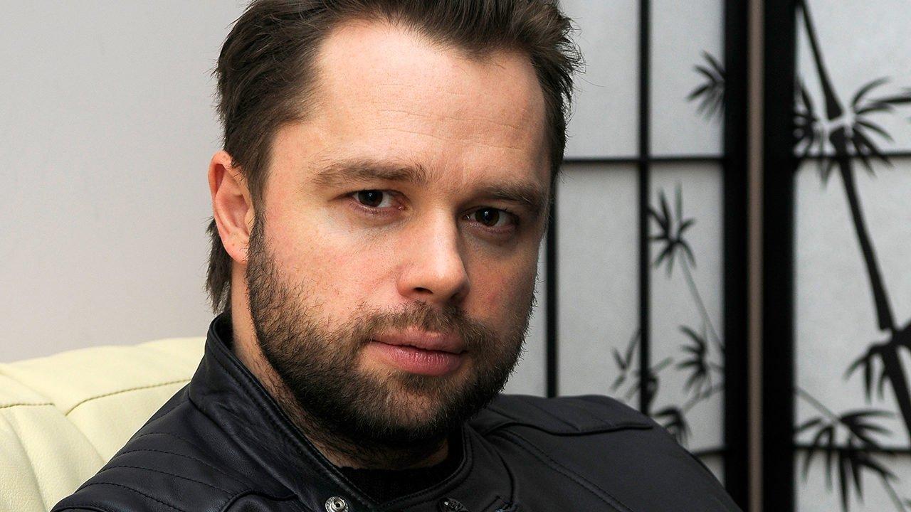 Виталий Гогунский считает, что необходимо открыть актёрские курсы по постельным сценам