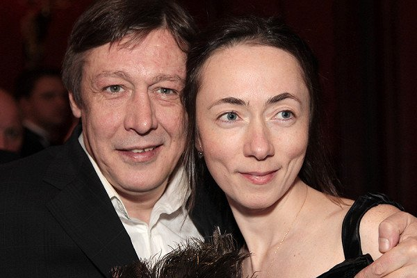 Жена Михаила Ефремова планирует развод