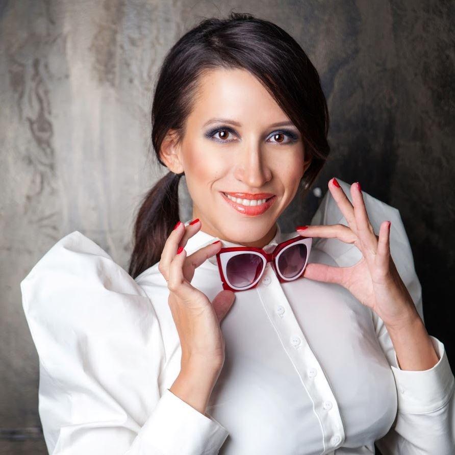 Елена Борщева пожаловалась на отмену спектаклей с её участием