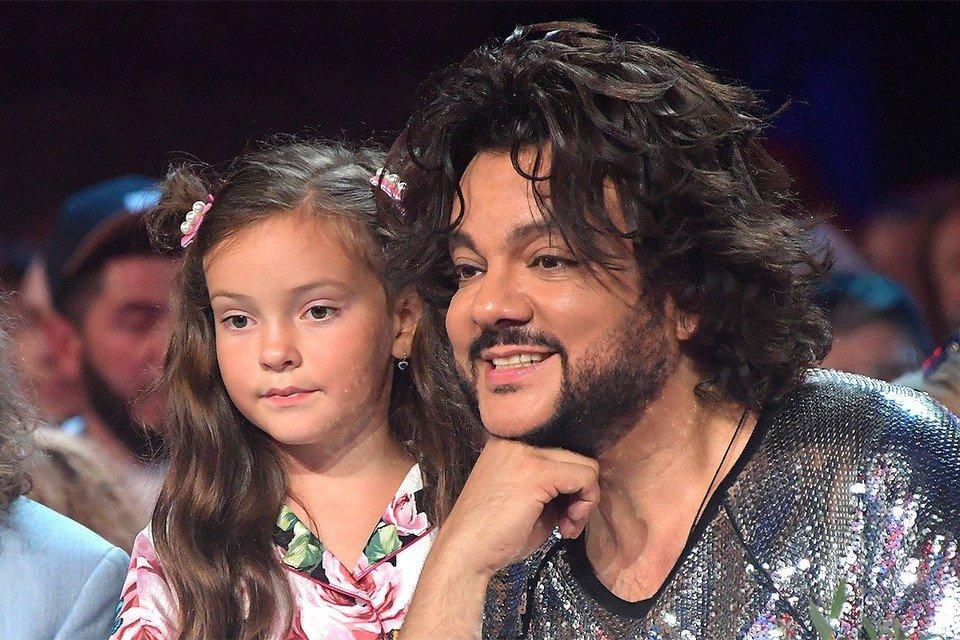 Филипп Киркоров подарил дочери украшение за полмиллиона рублей в день рождения