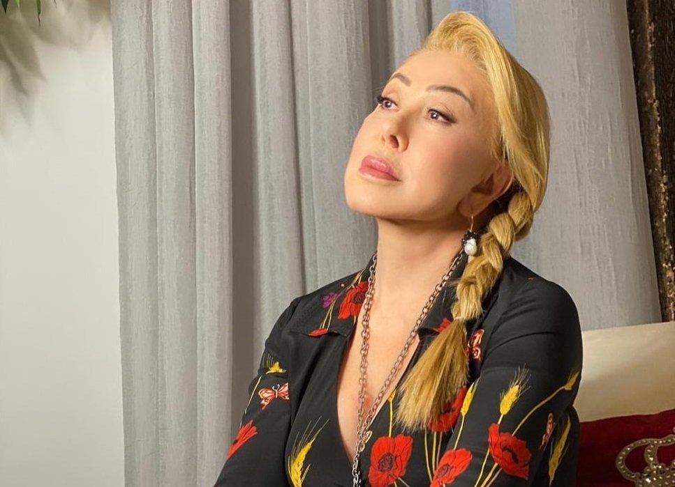 Любовь Успенская трогательно поздравила женщин с Днем матери