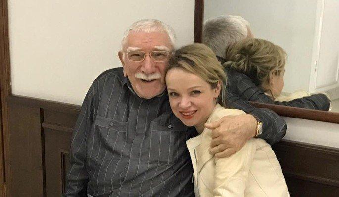 Виталина-Цимбалюк Романовская утверждает, что вышла замуж за Армена Джигарханяна не из-за денег