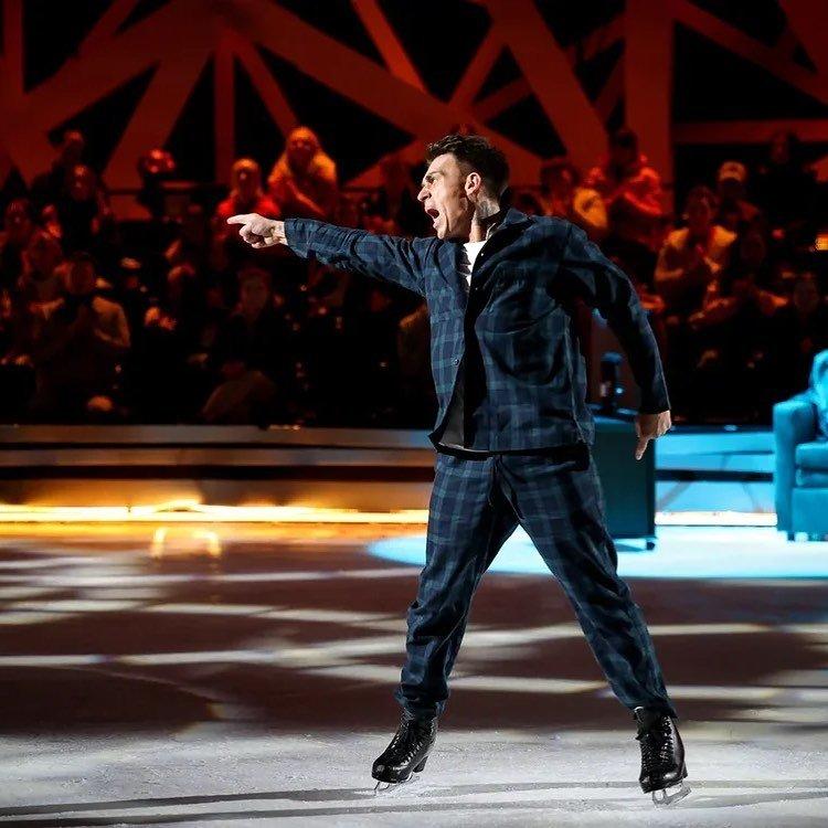 Выбывшему из ледового шоу Владу Топалову сделали операцию