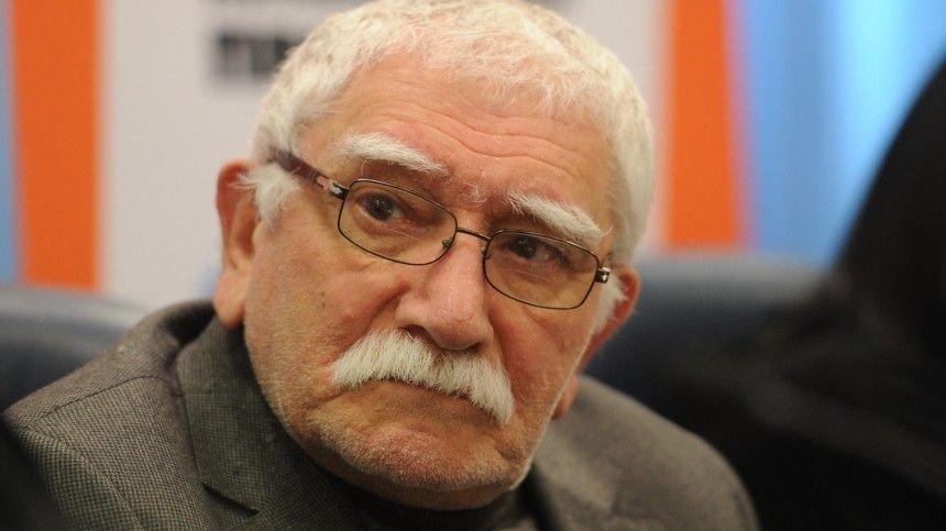 Евгений Петросян рассказал, как умер Армен Джигарханян