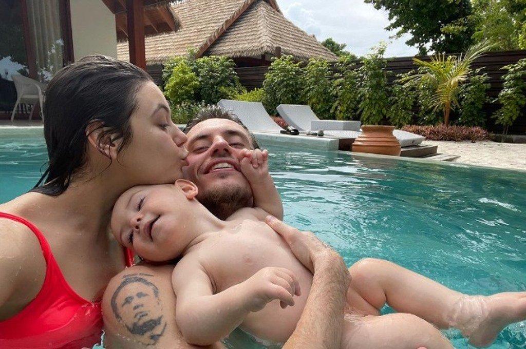 Елена Ильиных и Сергей Полунин отдыхают на Мальдивах вместе с 11-месячным сыном