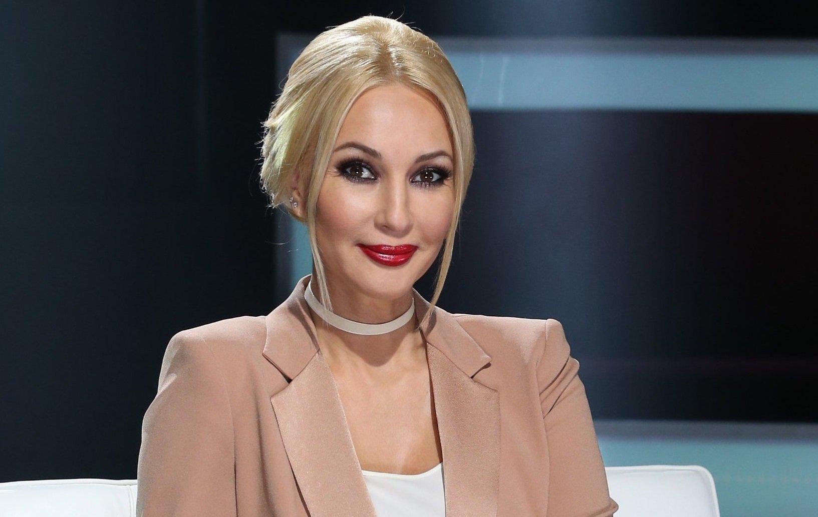 Лера Кудрявцева попросила помощи в лечении дочери у подписчиков