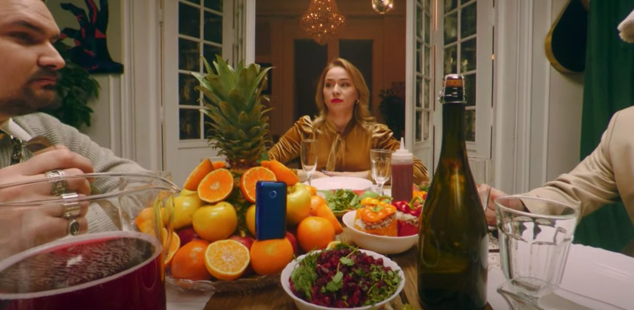 """Cream Soda представила необычный клип на песню """"Атомы"""""""