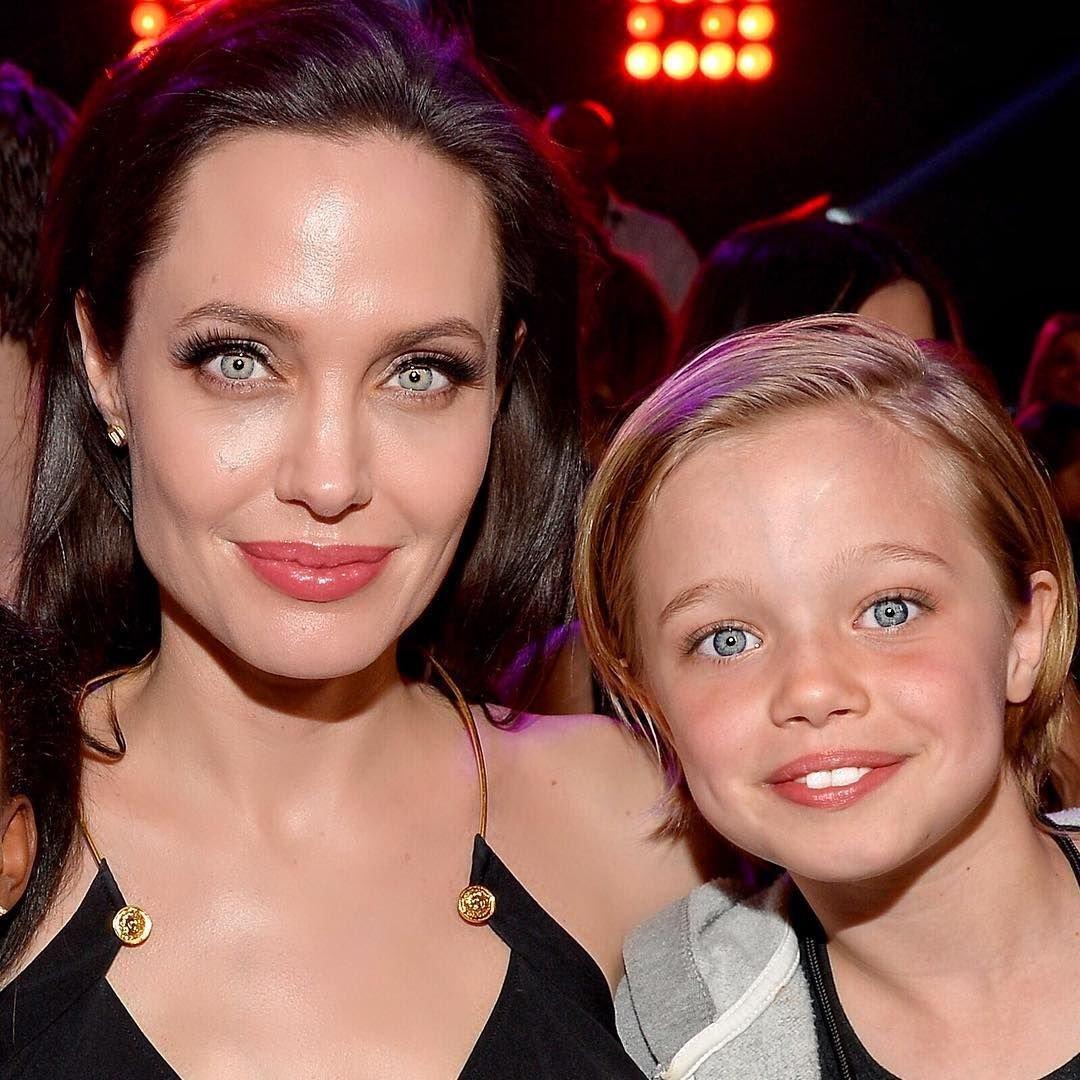 Дочь Брэда Питта и Анджелины Джоли убрала фамилию отца в соцсетях