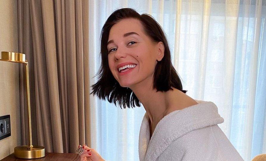 Кристина Асмус вновь покрасила волосы
