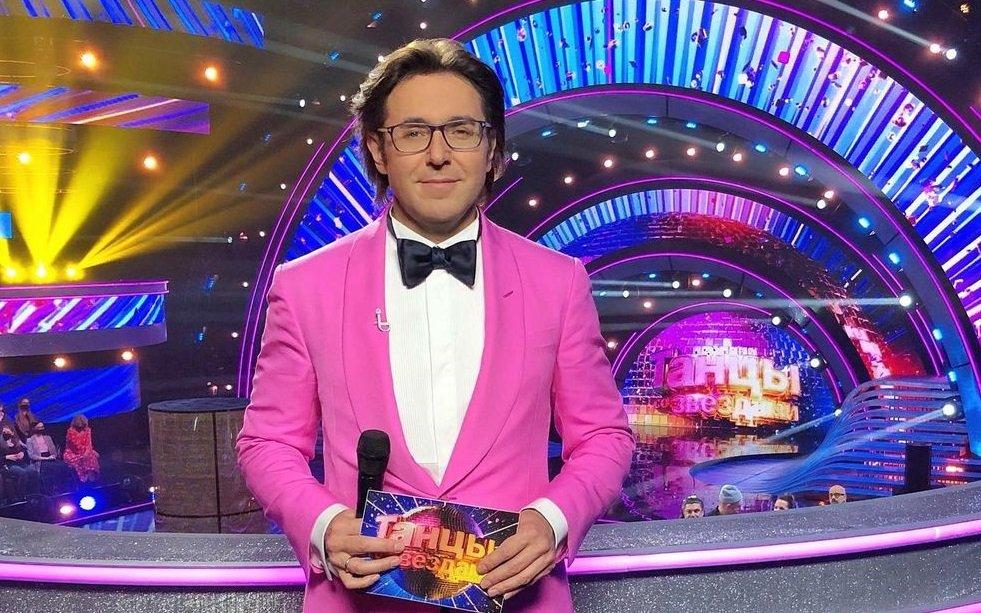 Андрей Малахов появился на программе в женской блузке