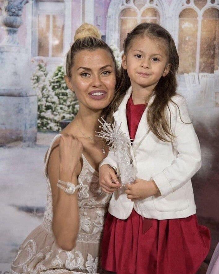 Виктория Боня решила родить ещё четверых детей