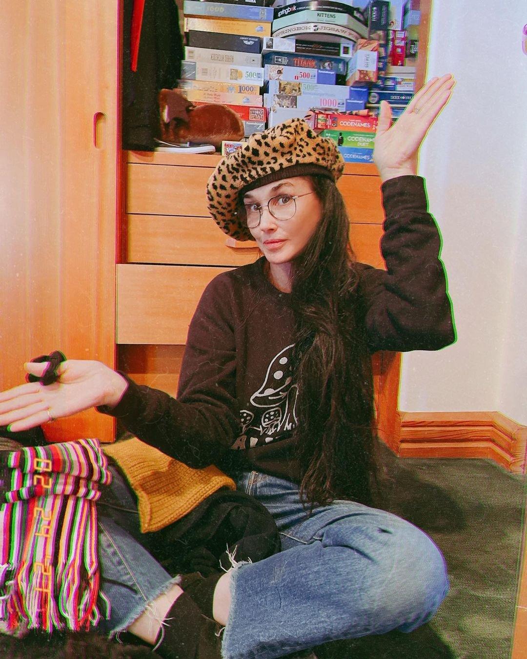 Деми Мур впервые опубликовала фото после обвинений в пластике