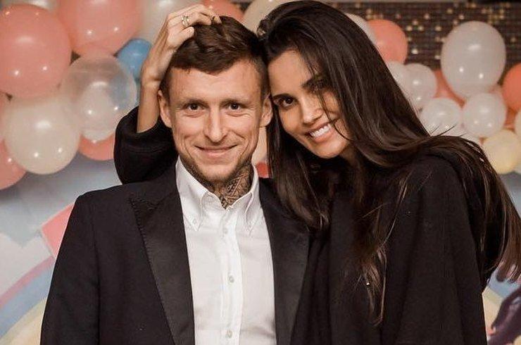 Павел Мамаев снова попался на измене жене