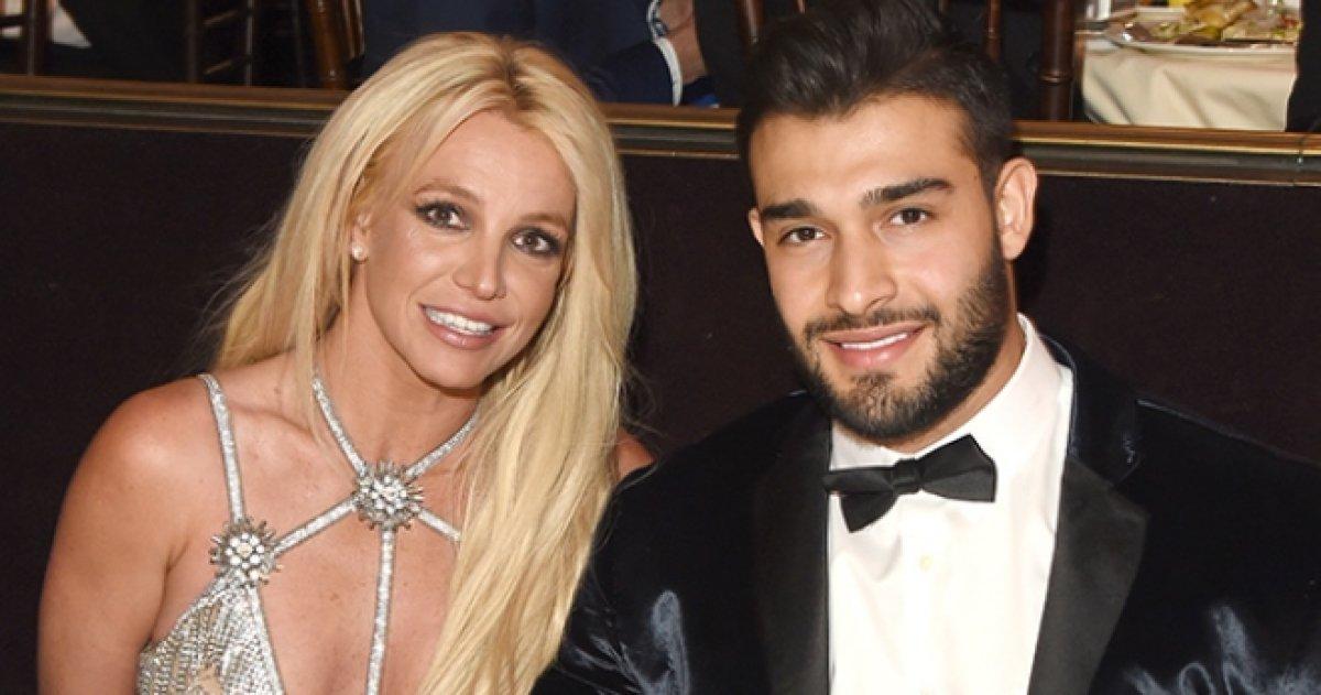 Бритни Спирс поздравила бойфренда забавным видео под свой хит