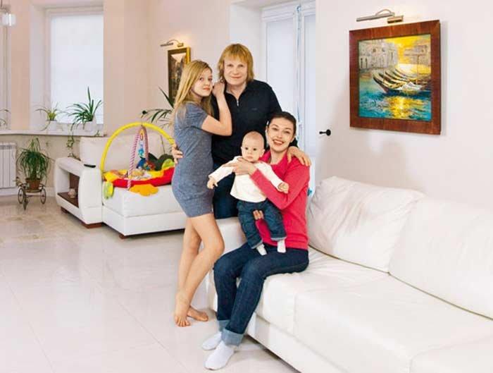"""""""Мне было 50"""": Виктор Салтыков рассказал, как поздний ребенок изменил его жизнь"""