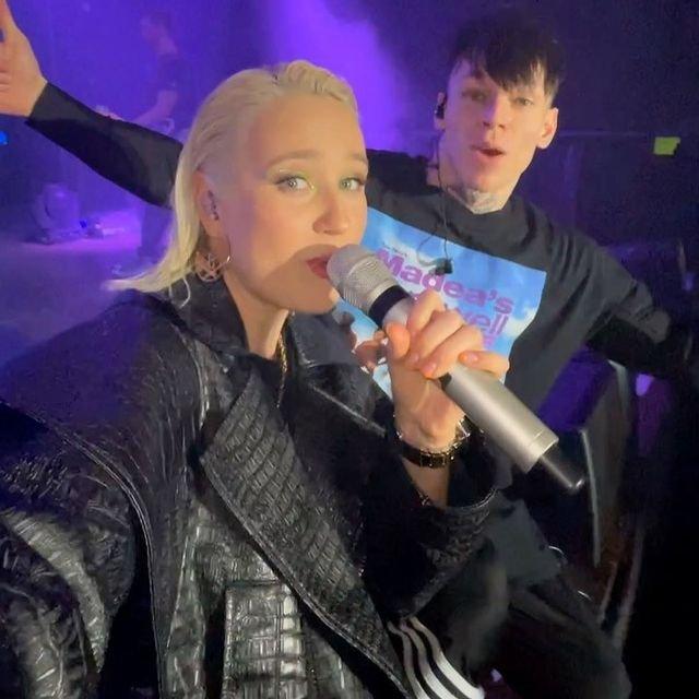 Клава Кока вынуждена отменить концерты из-за проблем со здоровьем