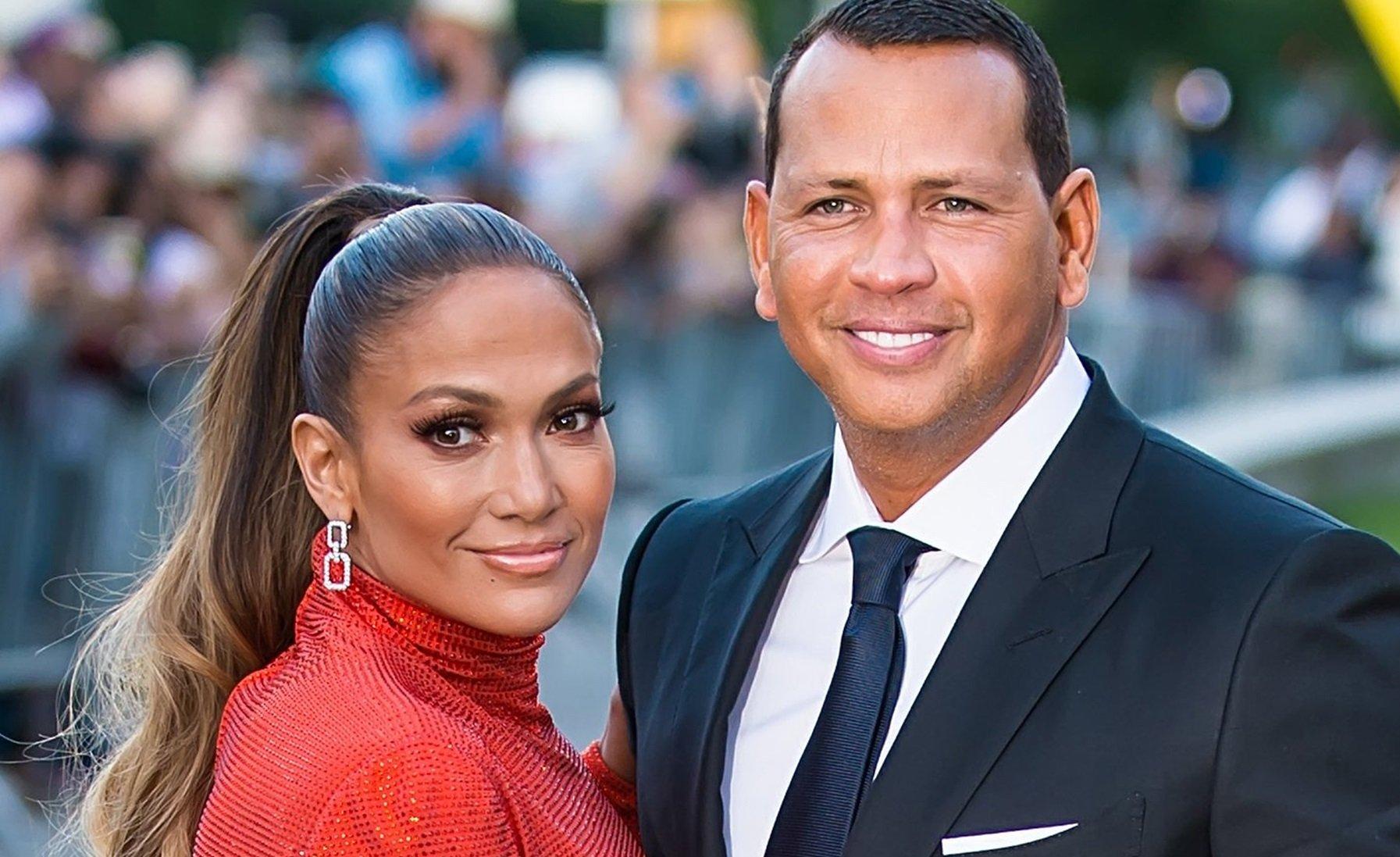 Алекс Родригес и Дженнифер Лопес официально объявили о расставании