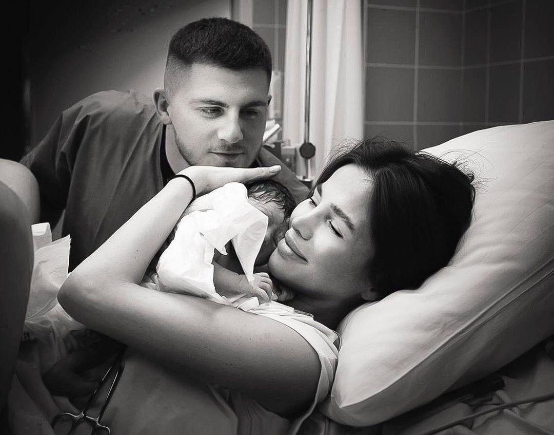 Алекса поделилась первым кадром с новорожденной дочерью