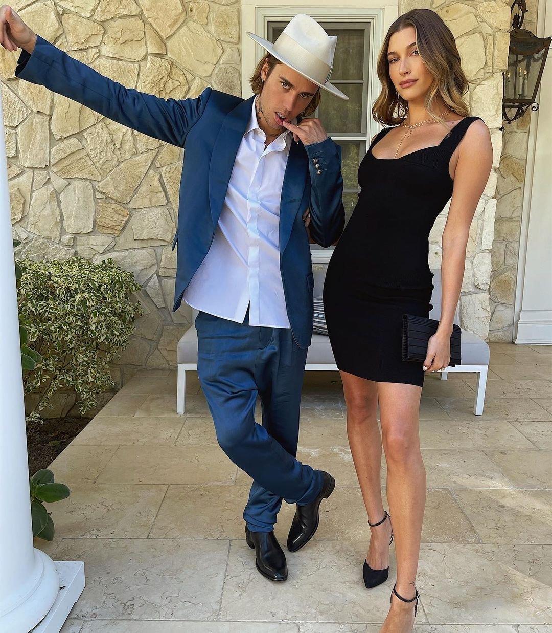 Джастин и Хейли Бибер выбрали неординарные наряды для похода на свадьбу друзей