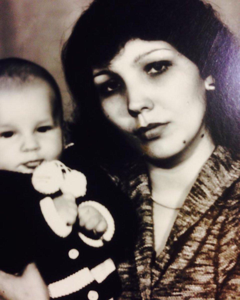 Баста показал свой детский снимок по случаю 41-летия