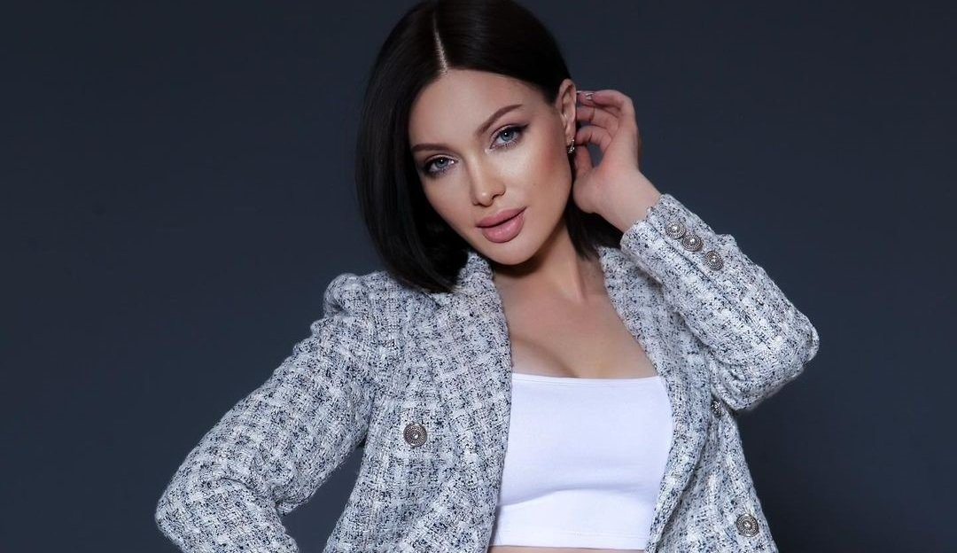Евгения Феофилактова показала, как выглядит её старшая сестра