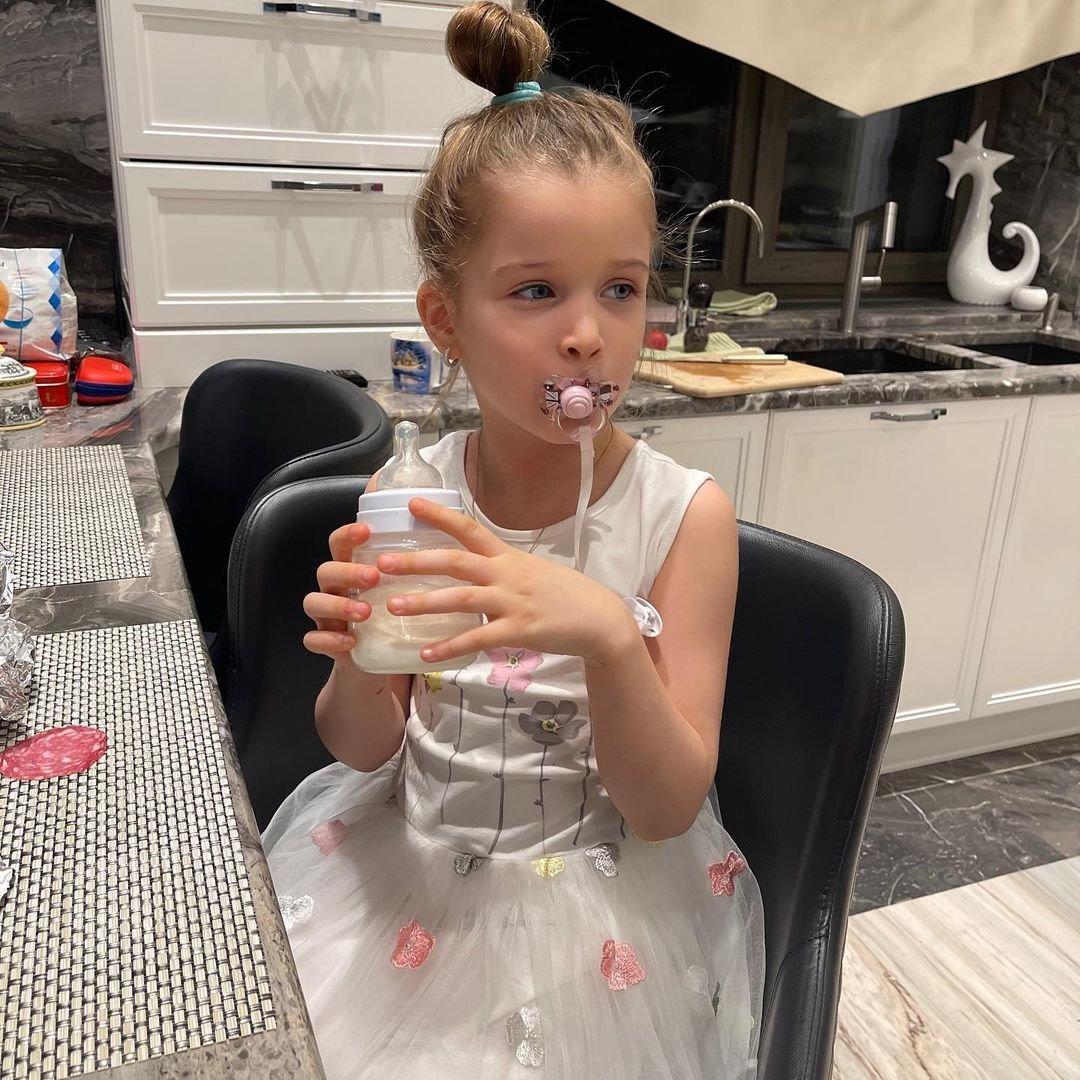 Ксения Бородина пожаловалась на странное поведение младшей дочери