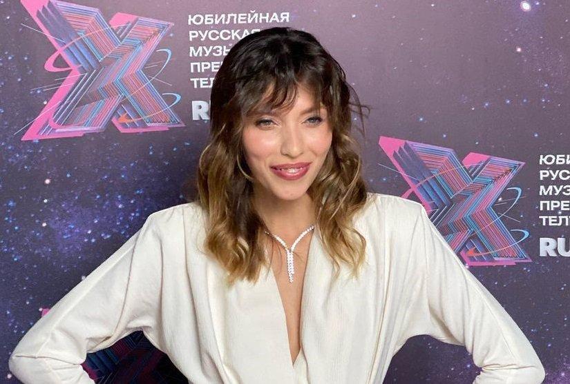 Поклонники Регины Тодоренко высмеяли её причёску