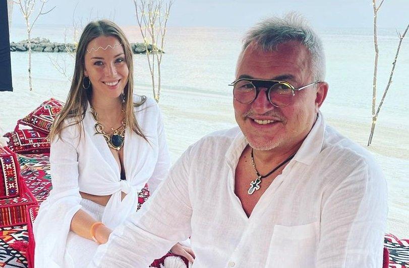 61-летний Дмитрий Дибров признался, что не ревнует свою молодую жену