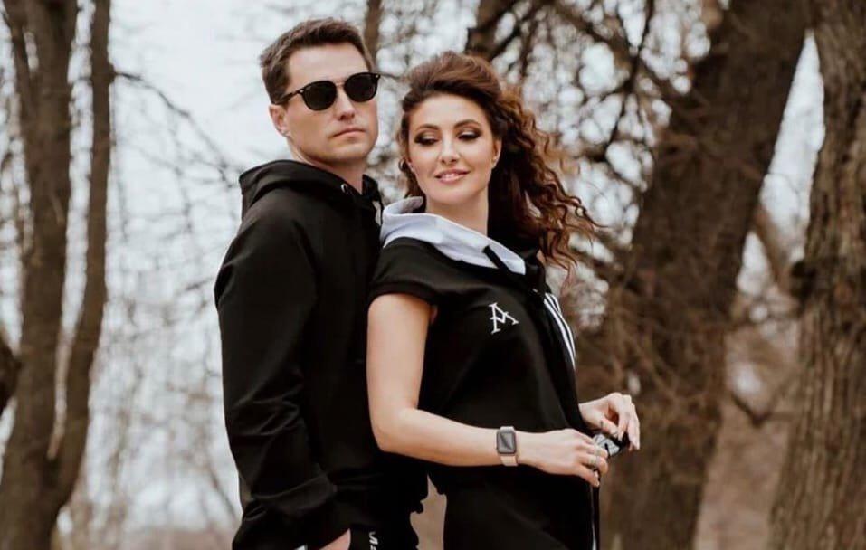 Возлюбленный Анастасии Макеевой требовал у бывшей жены часть гонораров за участие в телешоу