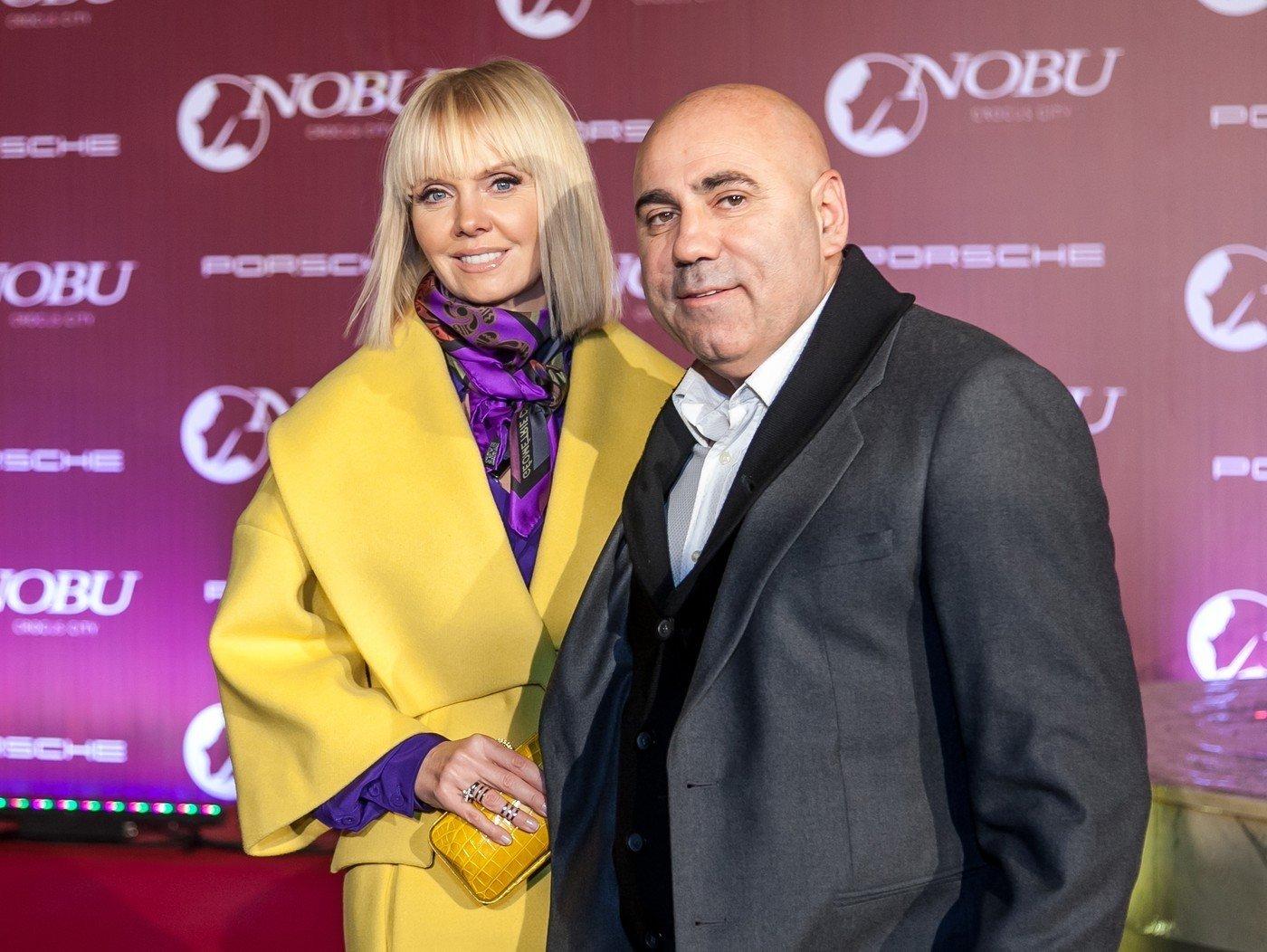 Валерия в компании Иосифа Пригожина и его дочери пришла в кинотеатр