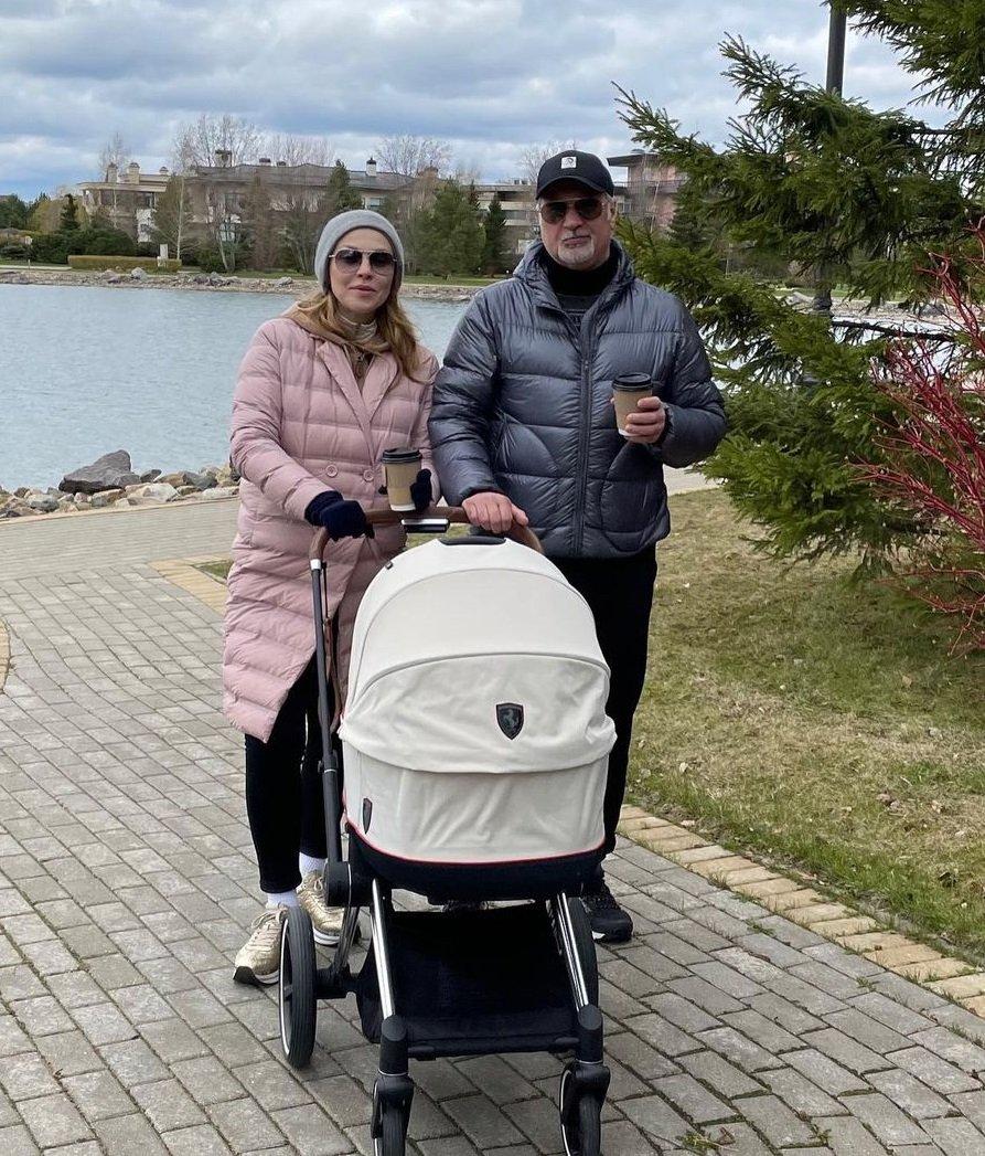 Стало известно имя новорожденной дочери Альбины Джанабаевой и Валерия Меладзе